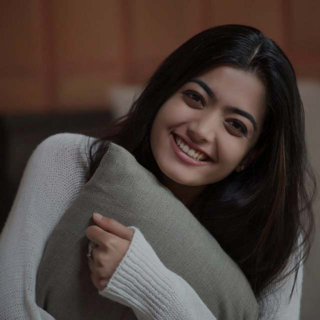 Rashmika Mandanna (Actress) NEW MOVIES Wiki, Height, Weight, Age, Boyfriend, Biography